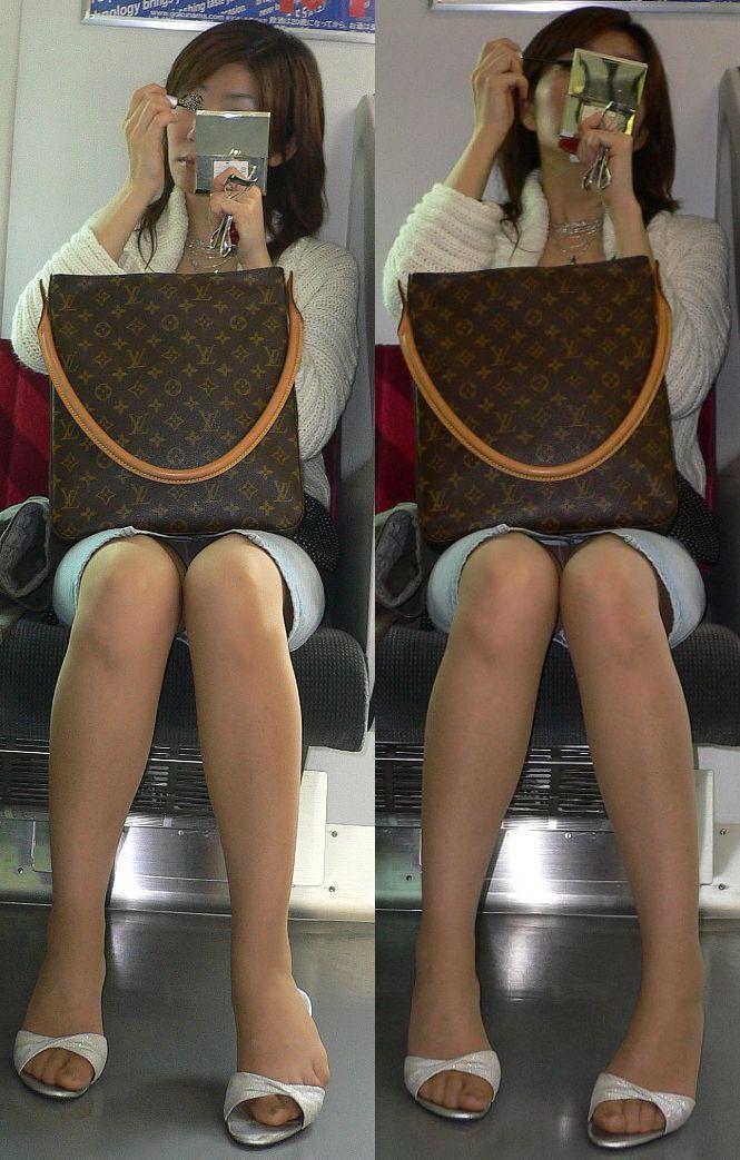 【パンチラエロ画像】通勤時に拝めたら今日はイイ事ありそう…電車内パンチラwww 16
