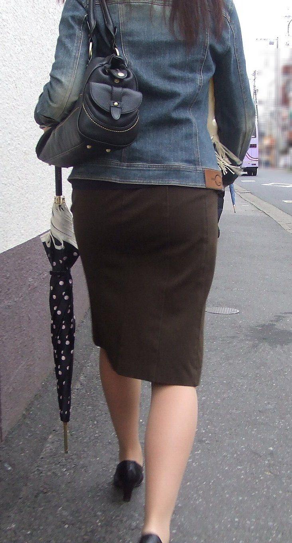 【着尻エロ画像】たまにキツそうに履く人もw巨尻を際立たせる大人のタイトwww 03