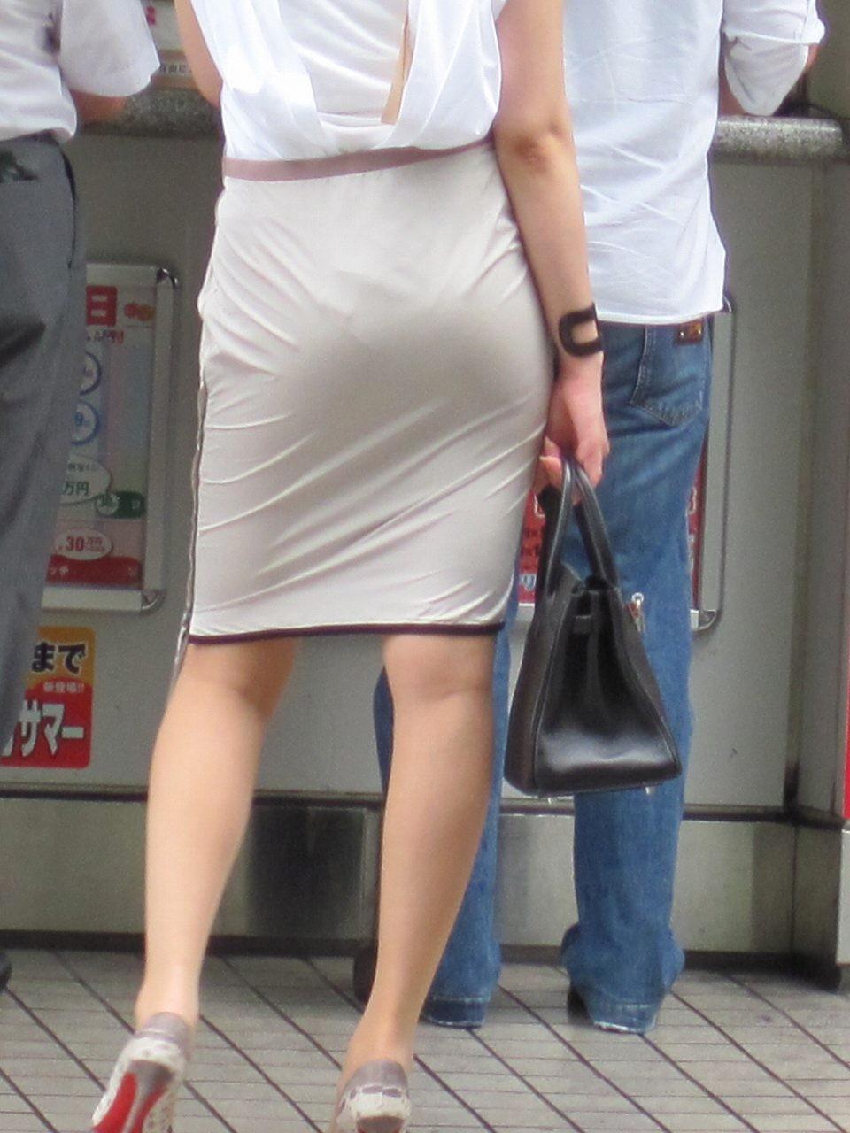 【着尻エロ画像】たまにキツそうに履く人もw巨尻を際立たせる大人のタイトwww 24