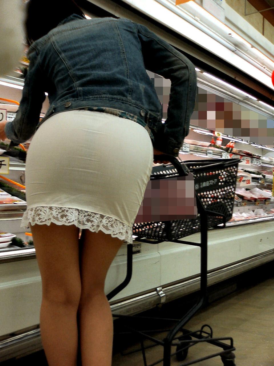 【着尻エロ画像】たまにキツそうに履く人もw巨尻を際立たせる大人のタイトwww 29