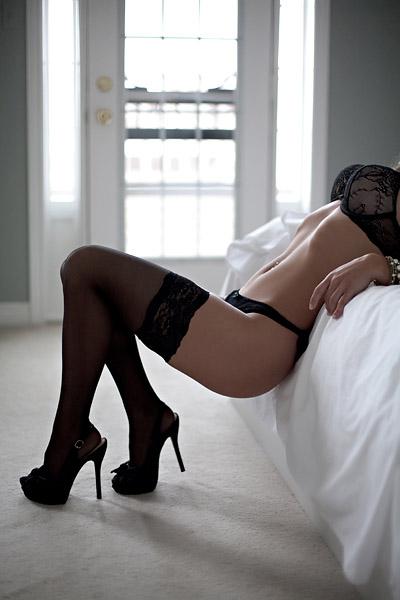 【美脚エロ画像】実に踏まれ甲斐のある・・鋭いヒール履いた美女の足www 20