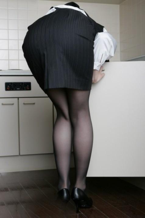 【美脚エロ画像】仕事する気削がれちゃう…タイト美女のそそるムッチリ美脚www 30