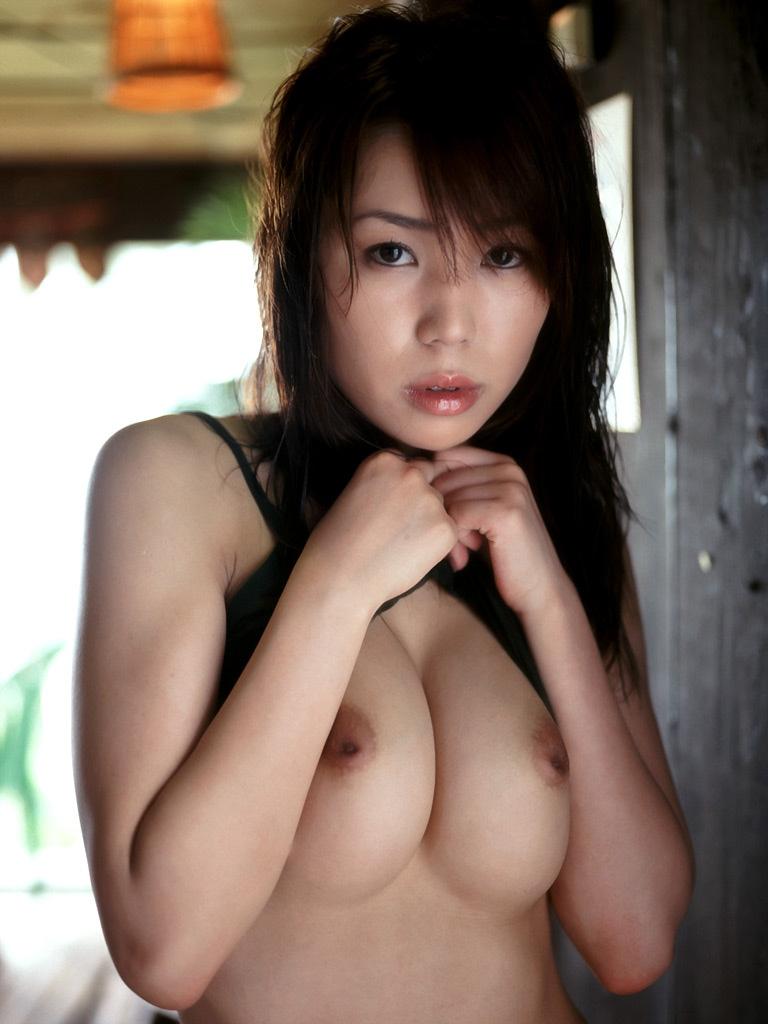 【巨乳エロ画像】惜しい!何よりもそう思える陥没気味な乳首のおっぱいwww 24