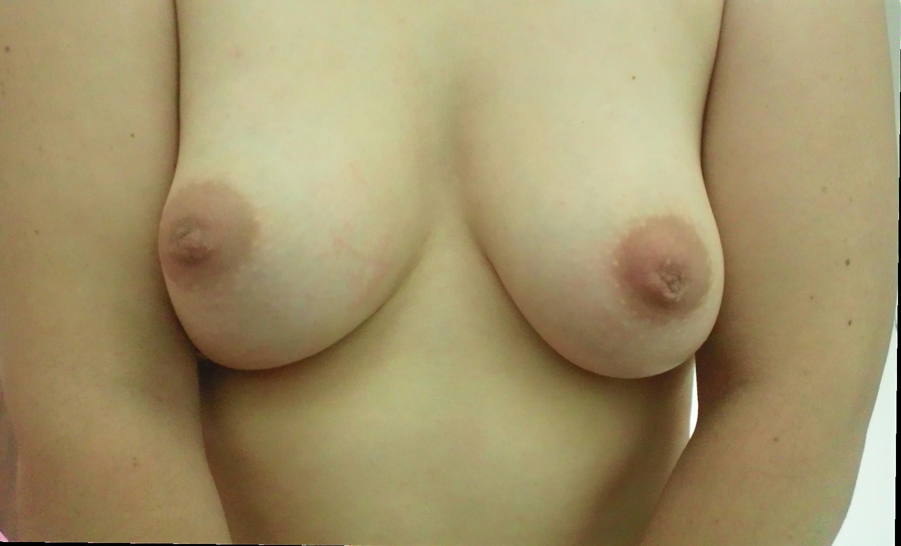 【巨乳エロ画像】惜しい!何よりもそう思える陥没気味な乳首のおっぱいwww 30
