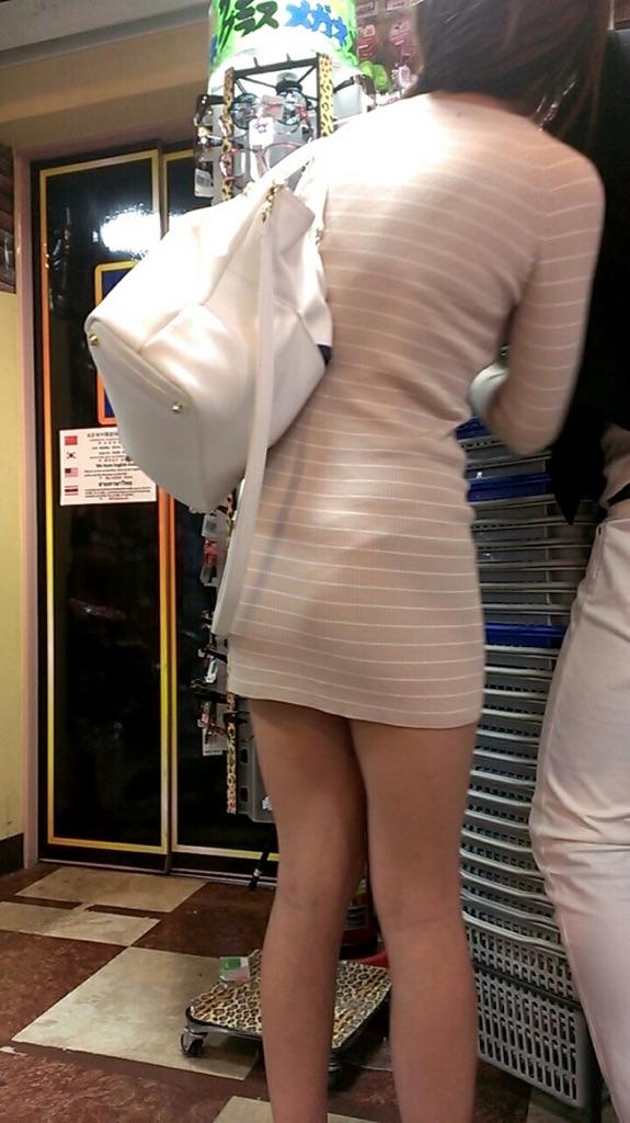 【美脚エロ画像】太くても細くても好きwミニスカから見える美脚追跡! 10