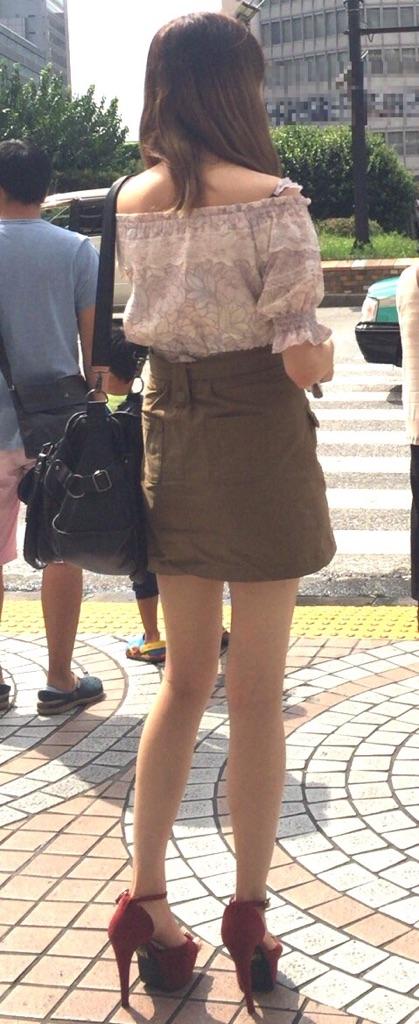 【美脚エロ画像】太くても細くても好きwミニスカから見える美脚追跡! 16