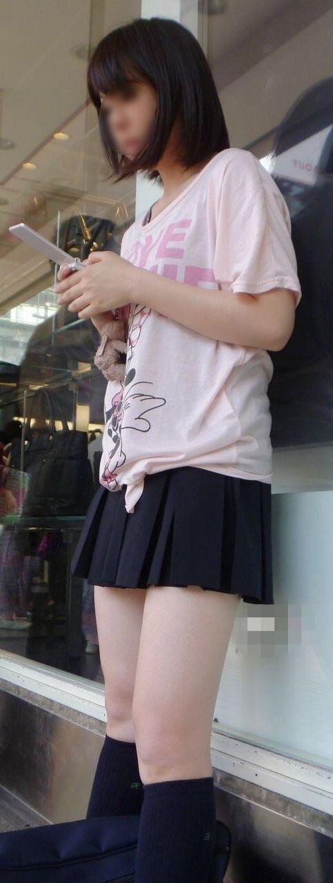 【美脚エロ画像】太くても細くても好きwミニスカから見える美脚追跡! 24