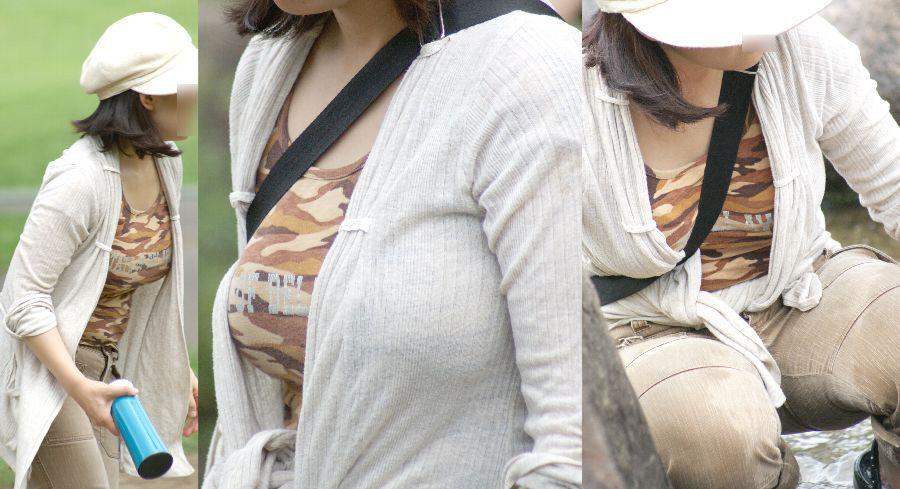 【巨乳エロ画像】魅力は最大限活かすべきと体張って教える街の乳袋さんwww 12