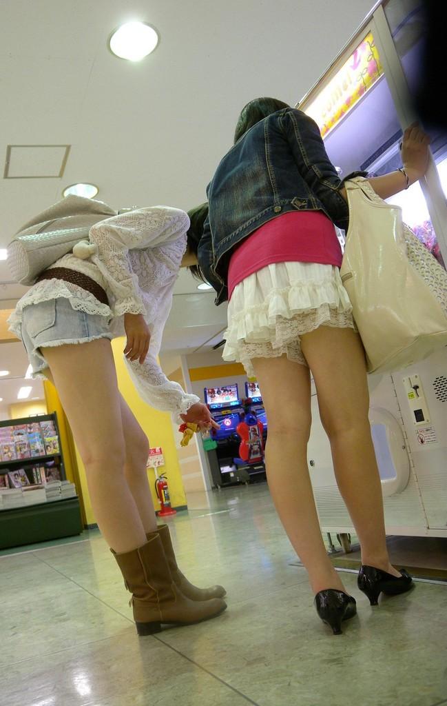 【ショーパンエロ画像】美脚とハミ尻どちらも見放題な街角ショーパン撮りwww 09