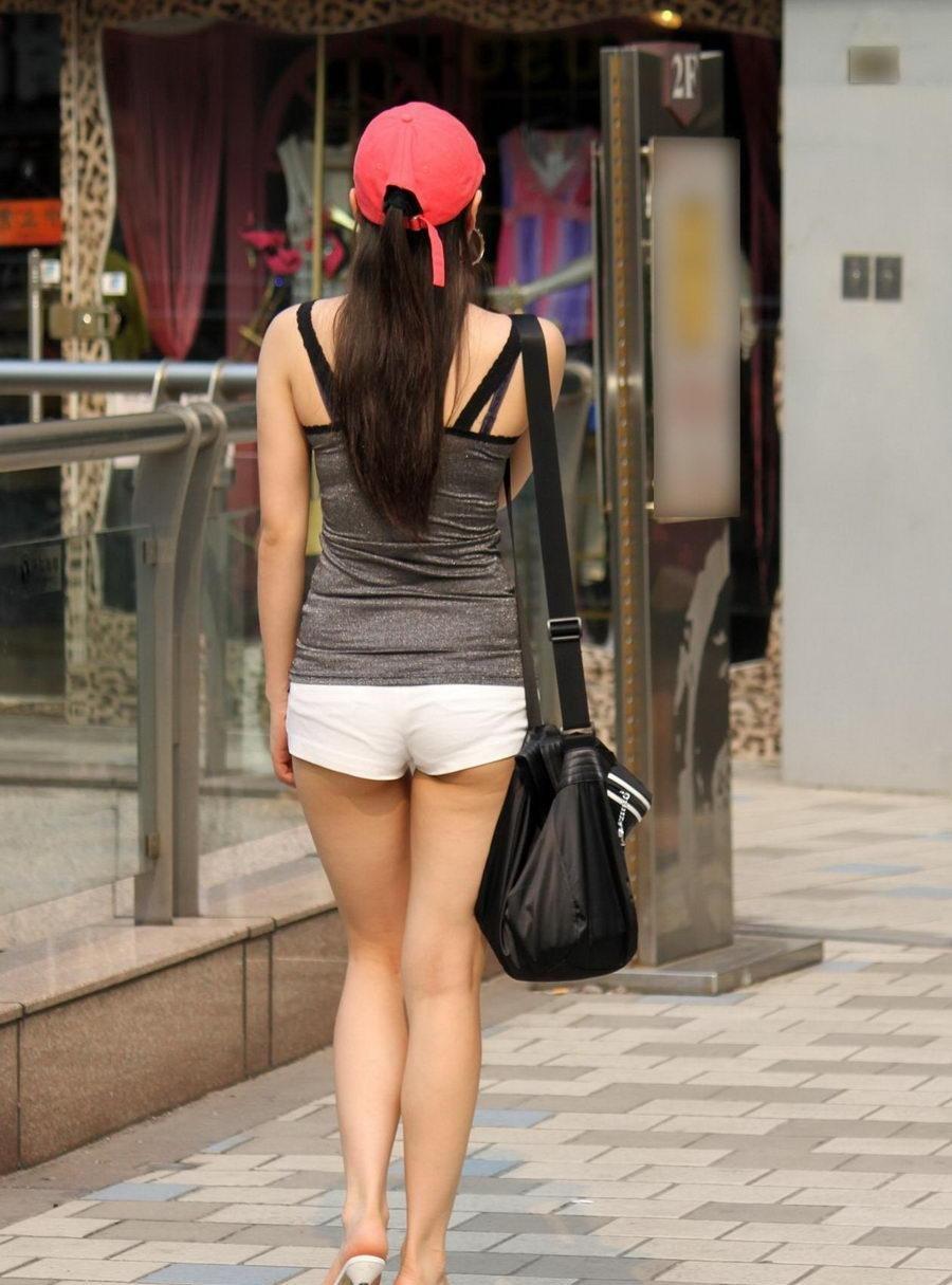 【ショーパンエロ画像】美脚とハミ尻どちらも見放題な街角ショーパン撮りwww 21