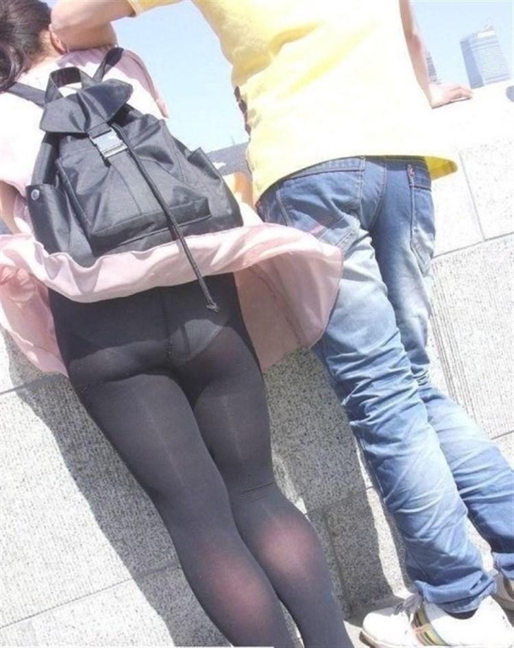 【パンチラエロ画像】強い日は見逃し注意w風に舞うスカートから丸見えの瞬間www 28