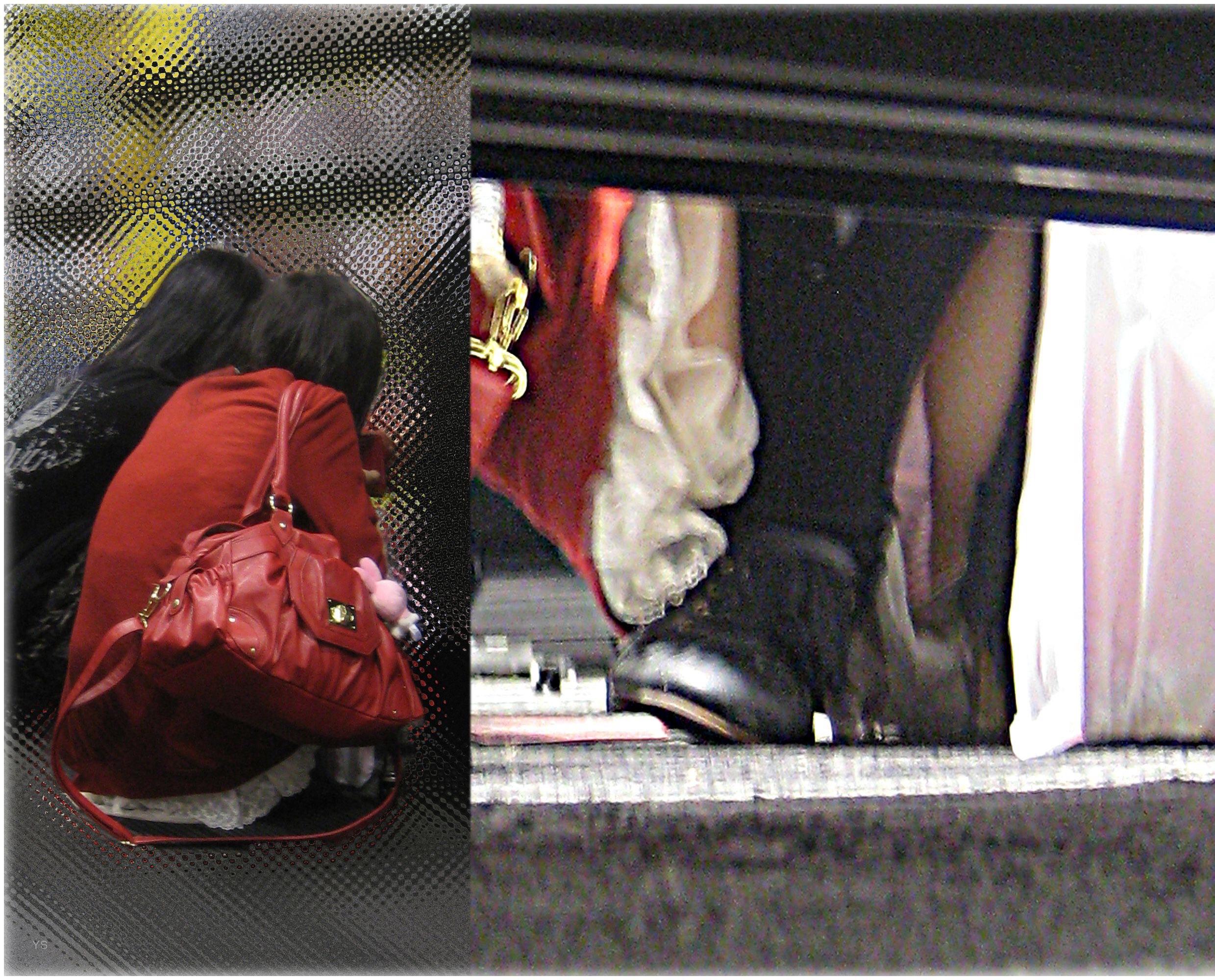 【パンチラエロ画像】棚の下から座るミニスカ女子のパンツを商品そっちのけでガン見www 29