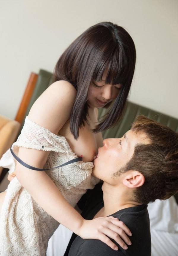【おっぱいエロ画像】見たら舐めて吸うのが礼儀の乳首弄りタイムwww 02