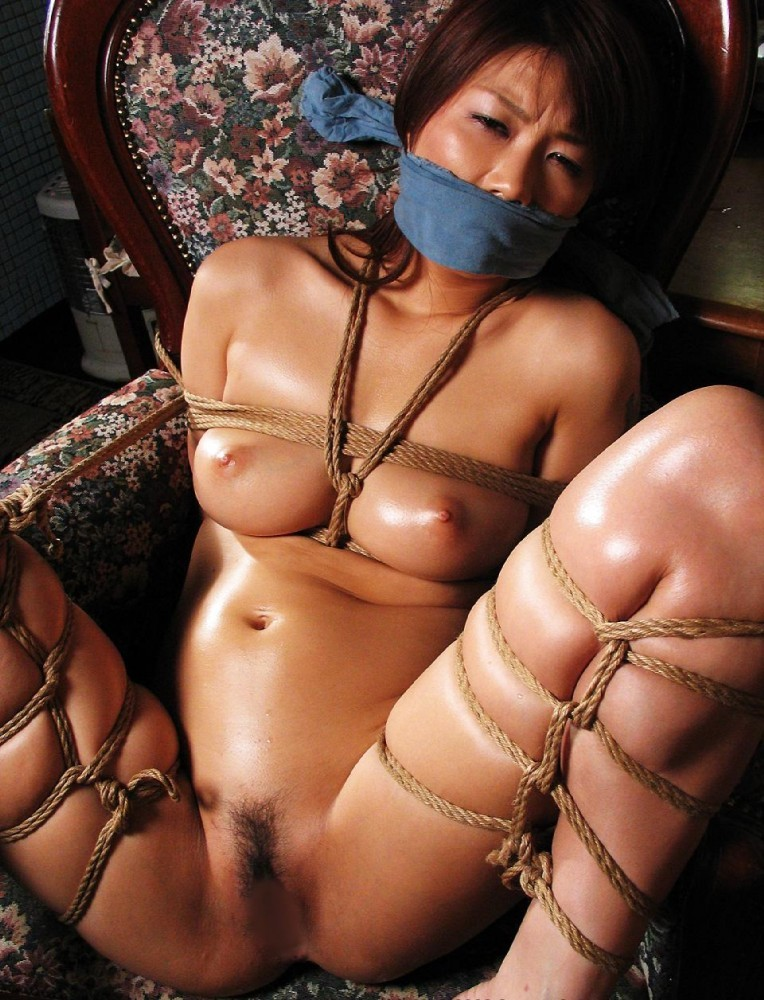 【SMエロ画像】解くの勿体ないほど卑猥で芸術的な女体緊縛の図www 04