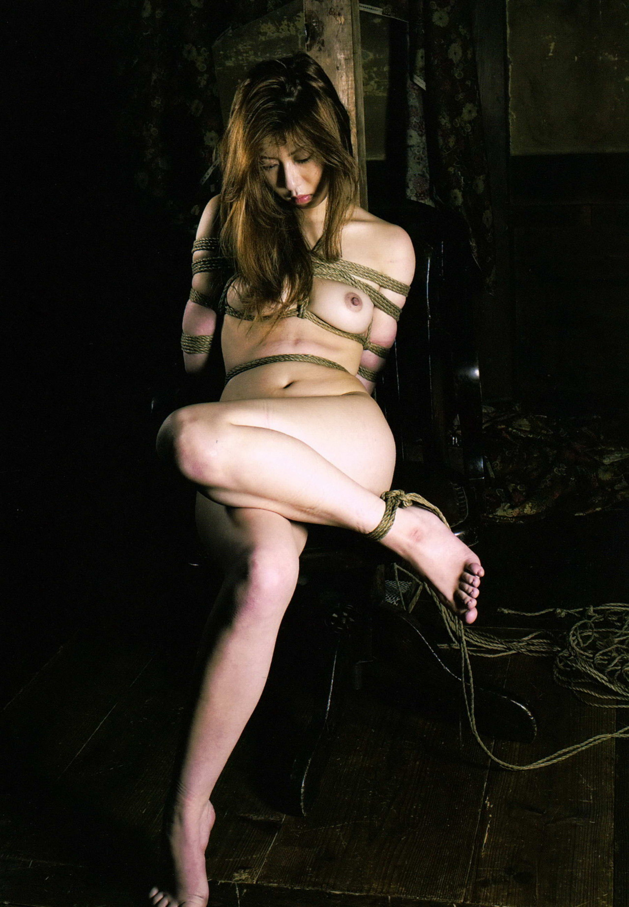 【SMエロ画像】解くの勿体ないほど卑猥で芸術的な女体緊縛の図www 08