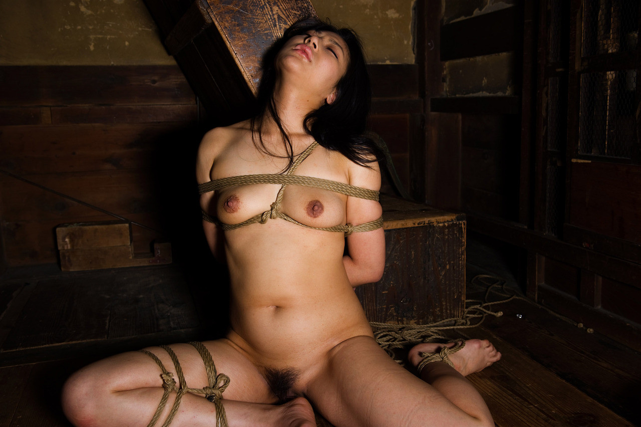 【SMエロ画像】解くの勿体ないほど卑猥で芸術的な女体緊縛の図www 09