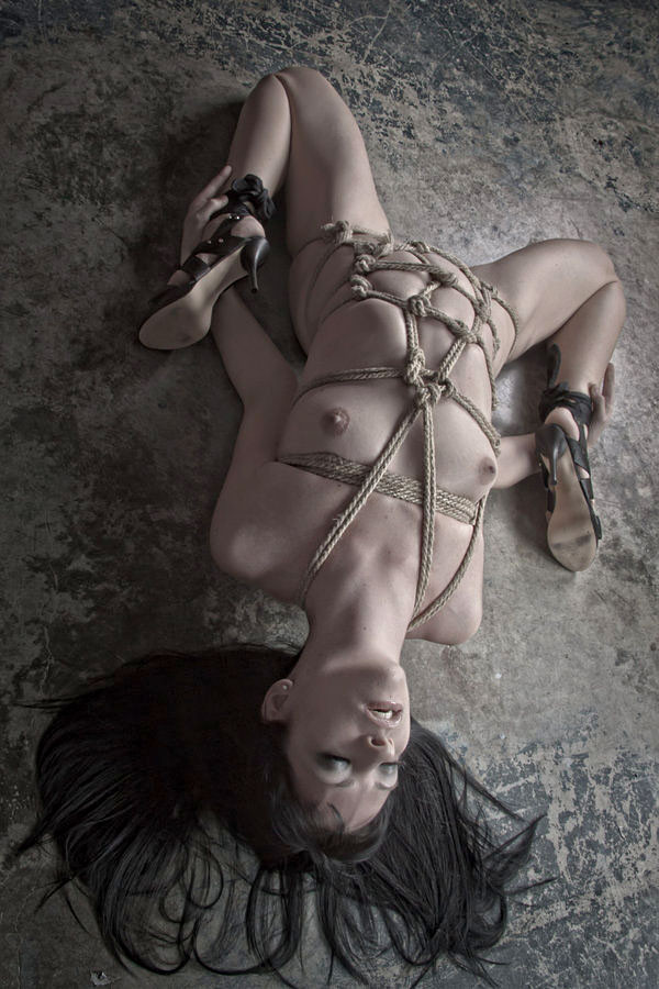 【SMエロ画像】解くの勿体ないほど卑猥で芸術的な女体緊縛の図www 12