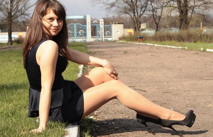 【海外美脚エロ画像】超長くて綺麗!近くなら圧倒される外人さんの美脚観察www 001