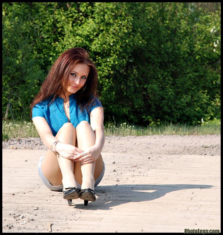 【海外美脚エロ画像】超長くて綺麗!近くなら圧倒される外人さんの美脚観察www 03