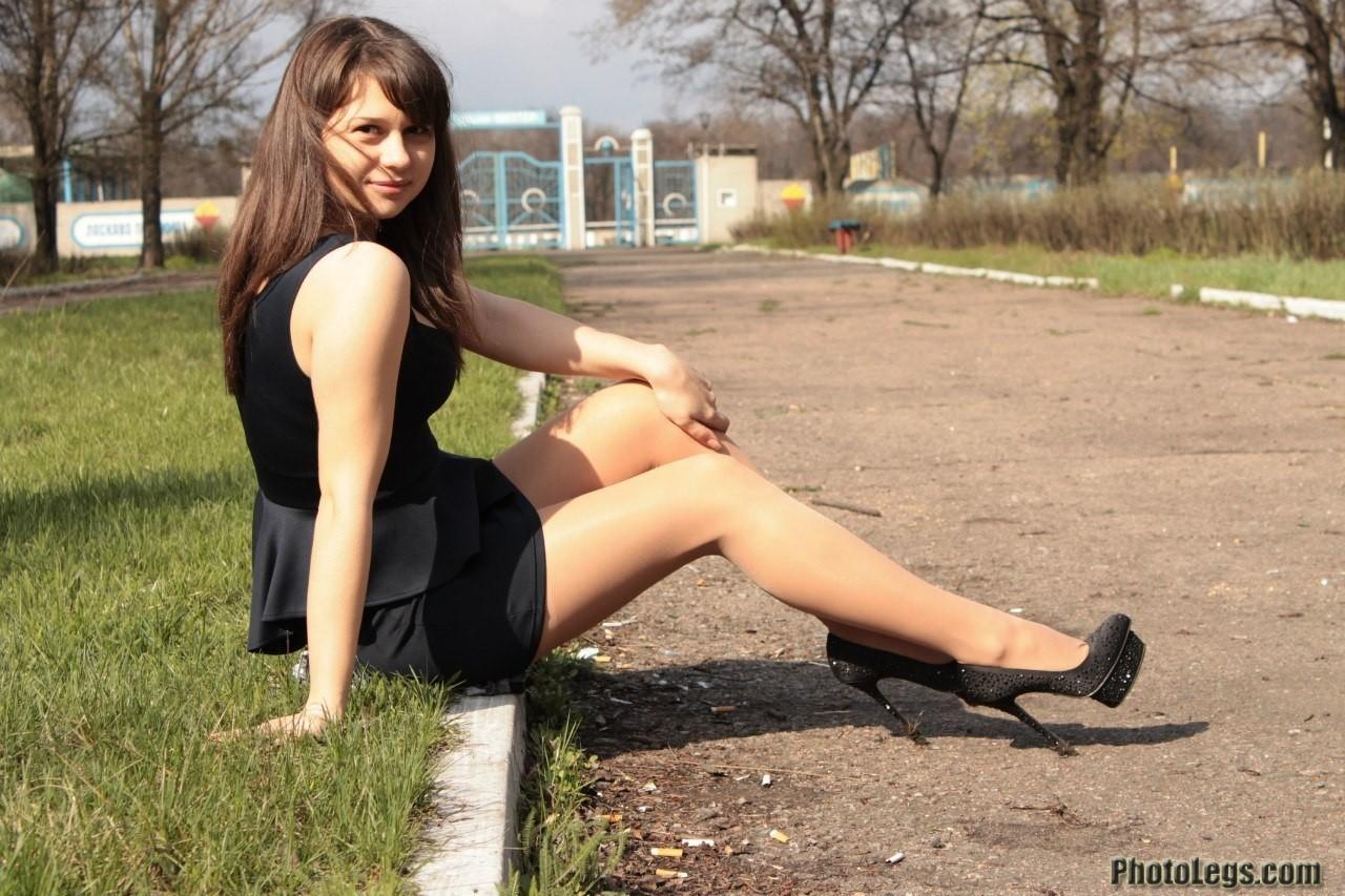 【海外美脚エロ画像】超長くて綺麗!近くなら圧倒される外人さんの美脚観察www 12