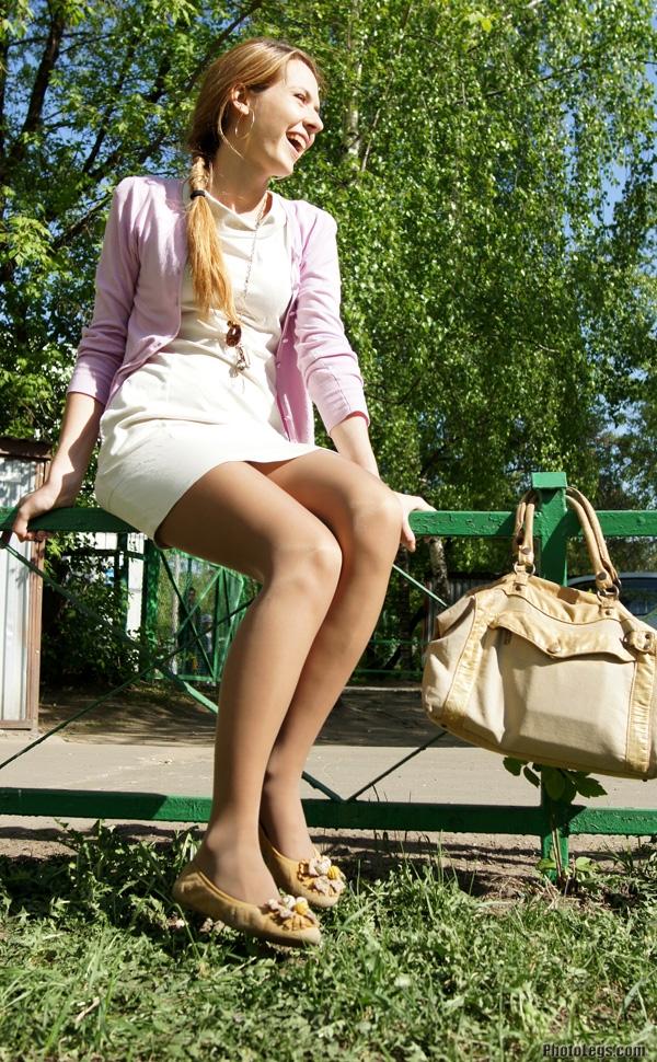【海外美脚エロ画像】超長くて綺麗!近くなら圧倒される外人さんの美脚観察www 14