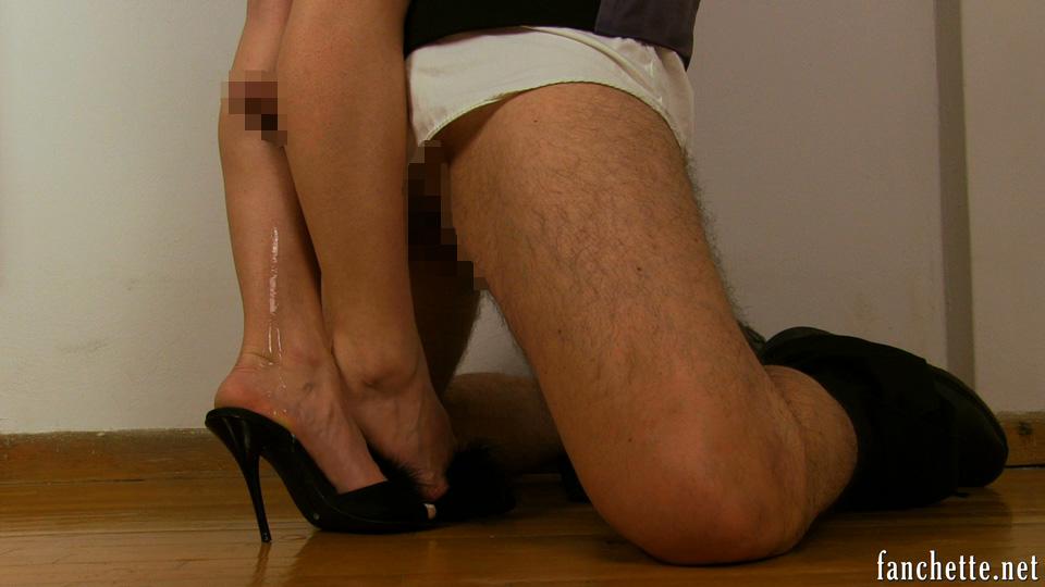 【脚コキエロ画像】挟む範囲が広いから有用wむっちり美脚でコキ責めwww 30