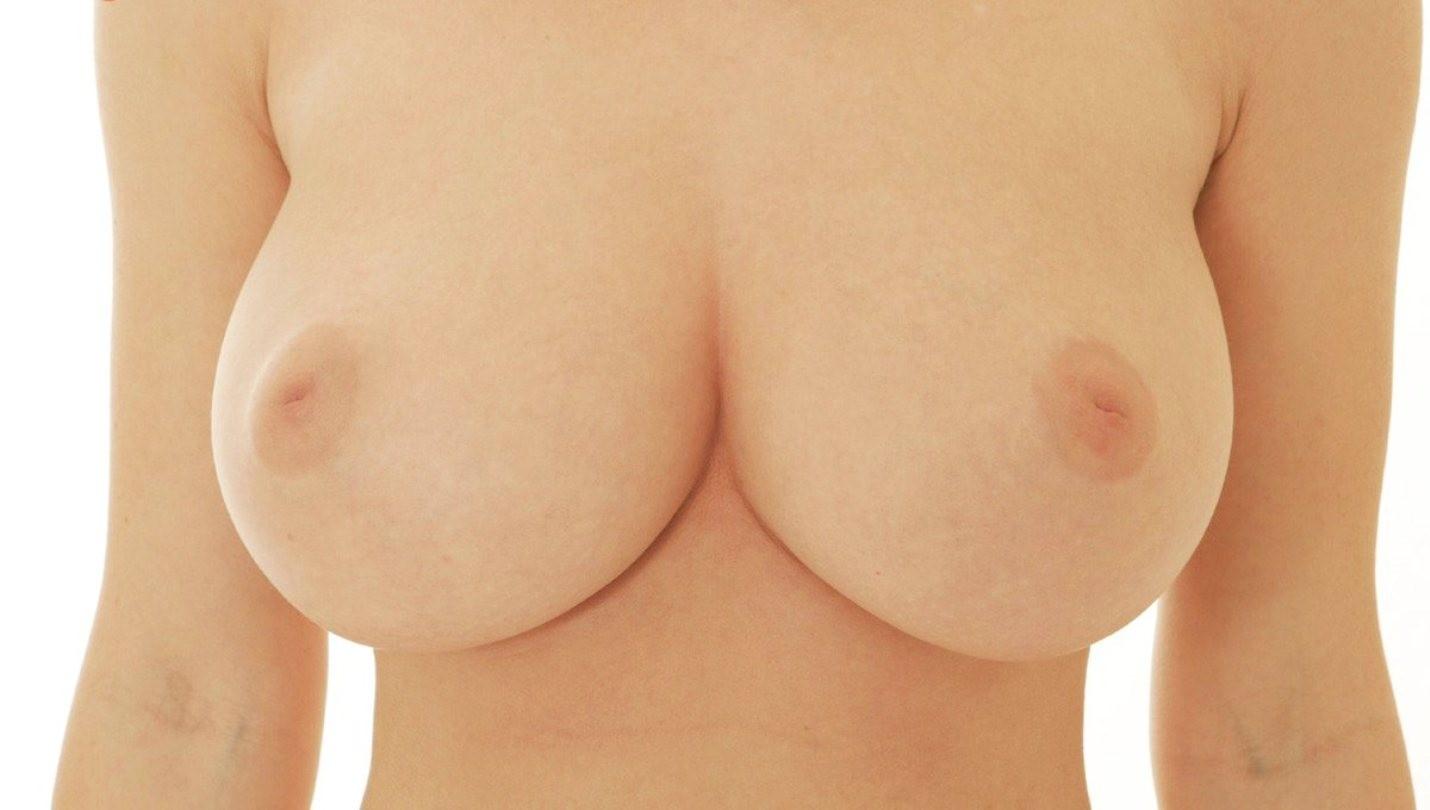 【乳首エロ画像】どんなに強く弄っても1/3も出てくれない陥没乳首www 03