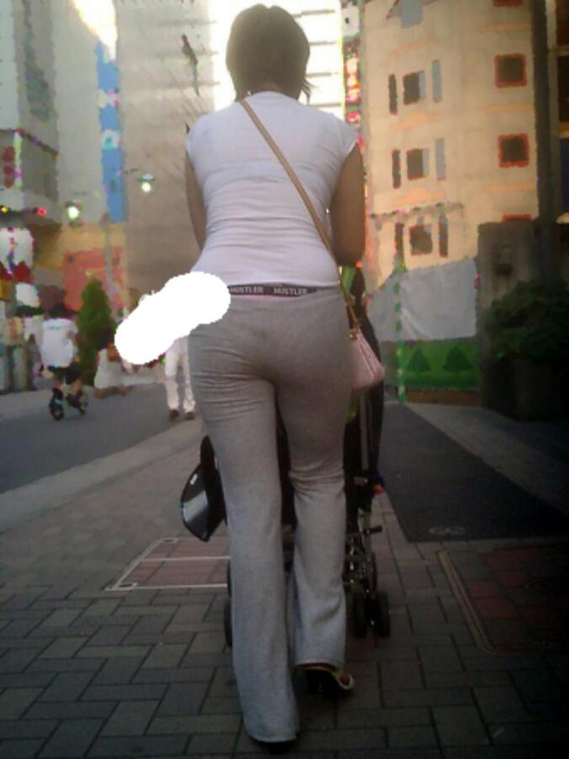 【透けブラエロ画像】ホックを数えて前に期待w街角の気になる透けブラ観察www 06