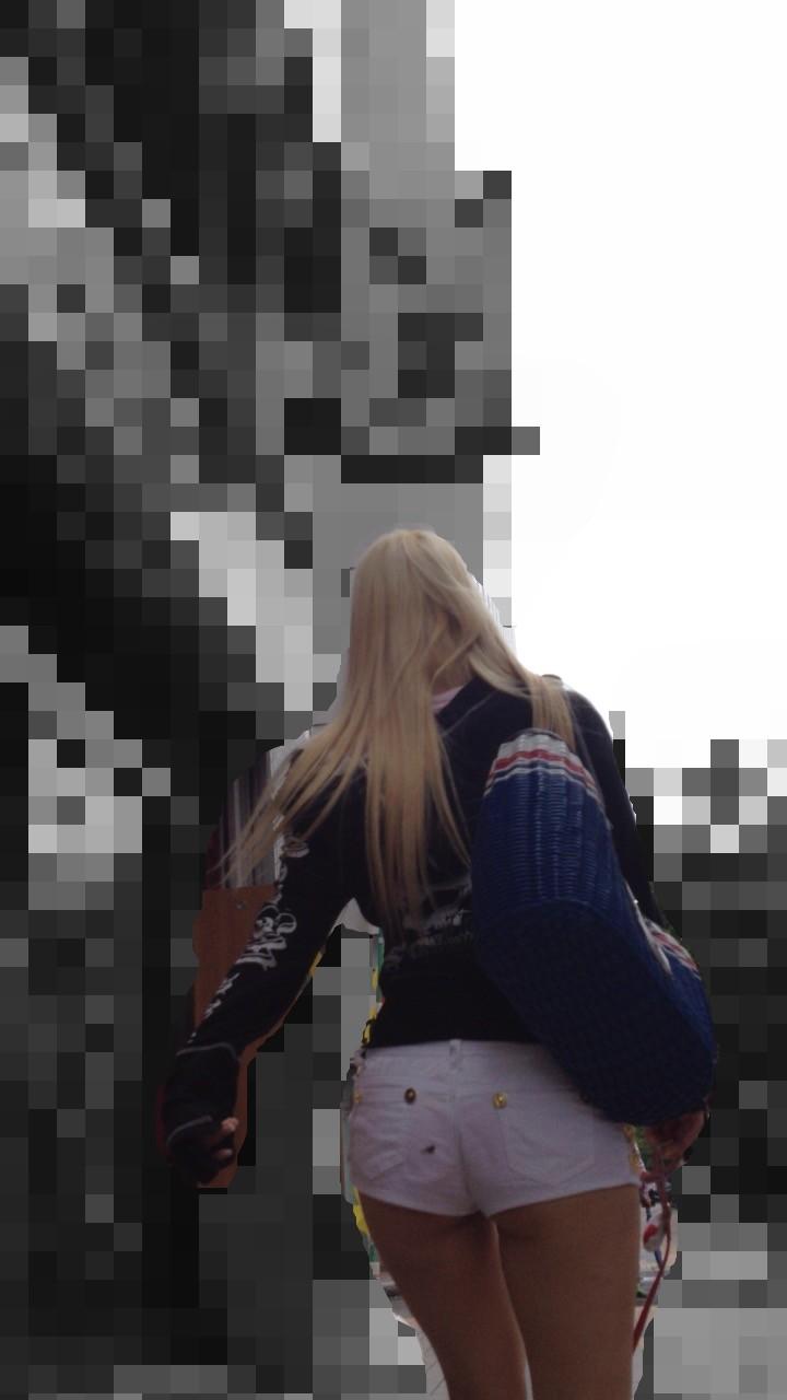 【着尻エロ画像】美脚も見えるしw街角ショーパン女子の美味しそうな着衣尻撮りwww 21