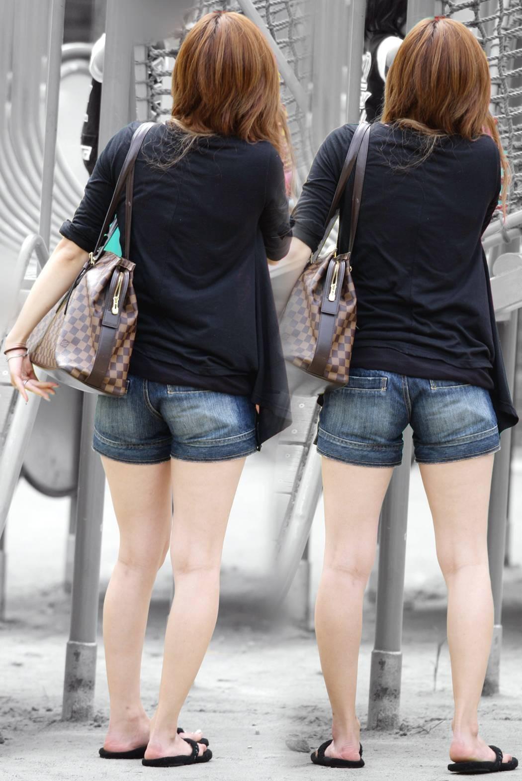 【美脚エロ画像】脱パンストの夏…お姉さん達の綺麗なムッチリ生脚www 28