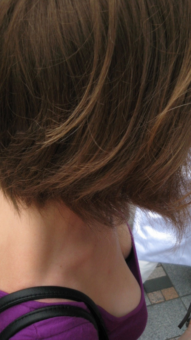 【胸チラエロ画像】見えそうというか見たい!先っちょ拝見の条件知りたい胸元チラリwww 27