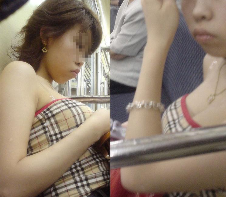 【着衣巨乳エロ画像】中身が見えなくても欲情誘う一般社会の着衣おっぱいwww 08