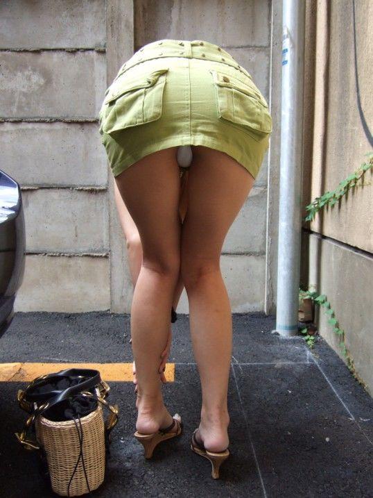 【パンチラエロ画像】天然の疑いも発生するうっかり女子の前屈みチラwww 06
