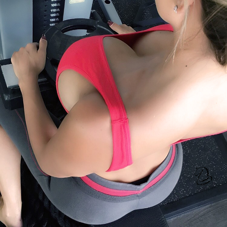 【女体エロ画像】体のどこに幾つあるか知ってると嬉しい裸体のほくろwww 17