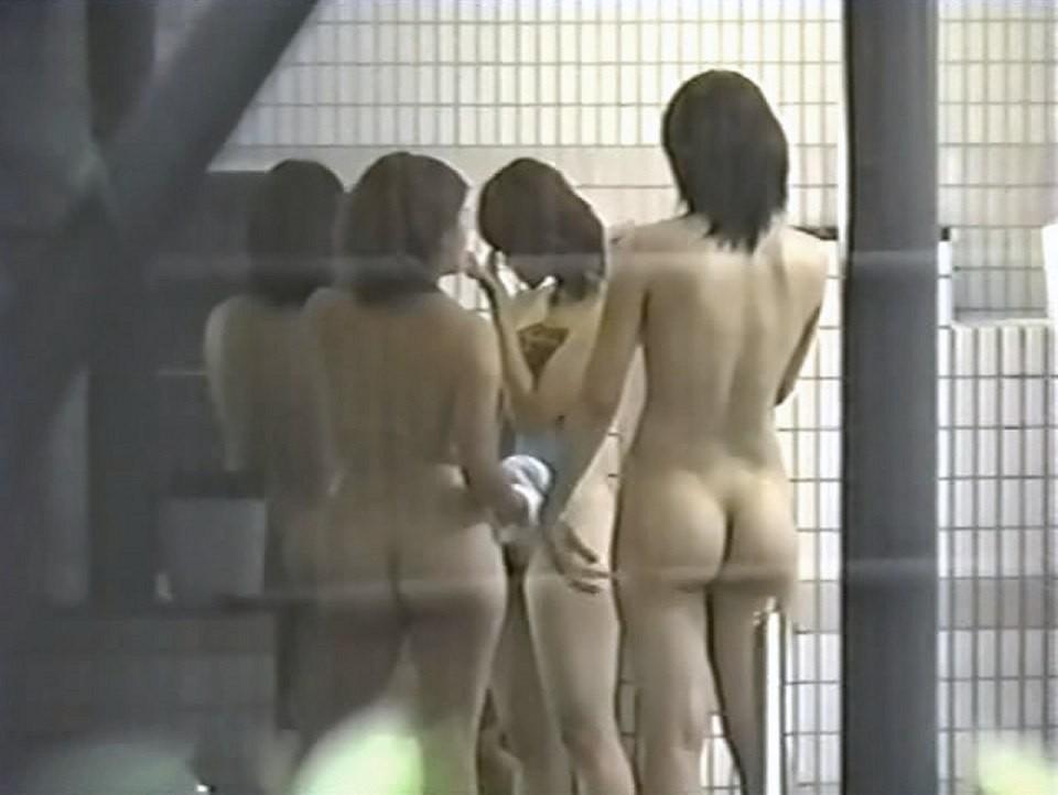 【女子風呂エロ画像】同性の仕業だから可能…生々しい女風呂を内部から暴く! 12