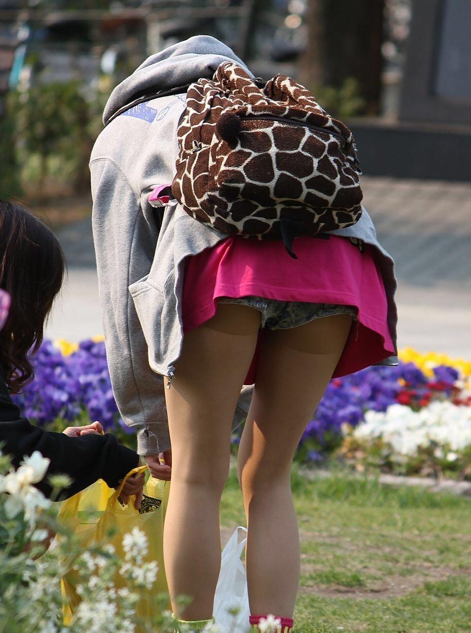 【ショーパンエロ画像】眩過ぎる生ハミ尻…ショーパンがとても似合う街の美脚www 22