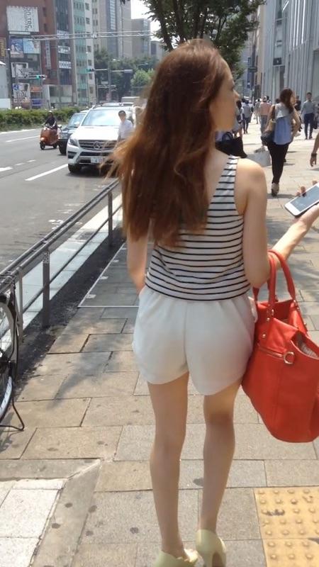 【美脚エロ画像】暑くても密着したい太ももw街の美味しそうな美脚追っかけwww 06