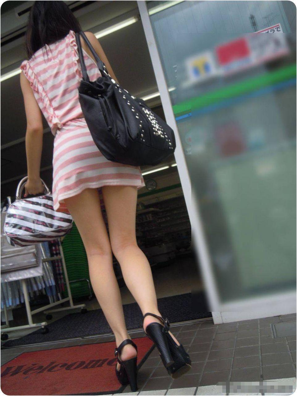 【美脚エロ画像】その美脚だけで惚れる!目撃したらもう夢中な街の下半身www 09