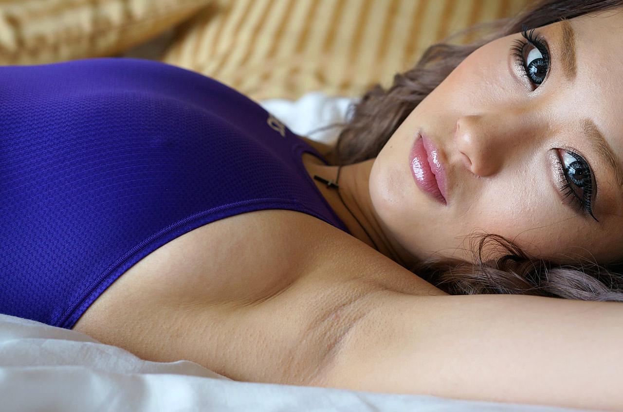 【腋フェチエロ画像】今ならもれなく強い汗の味!女の舐めたい腋の下に接近www 26