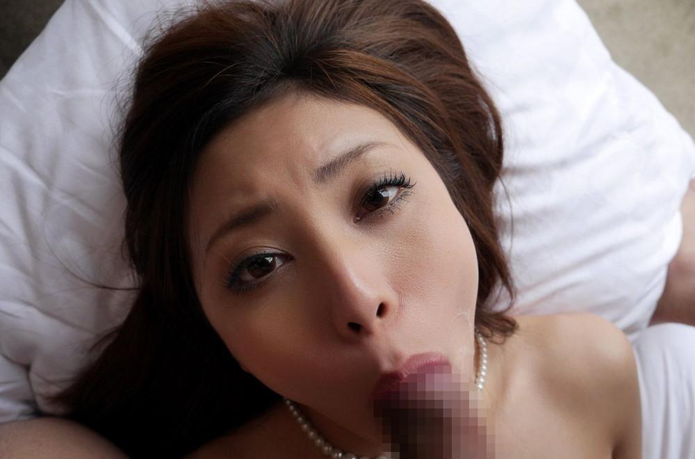【フェラチオエロ画像】顔見られながらしゃぶられるなんて理想的過ぎるフェラご奉仕www 13