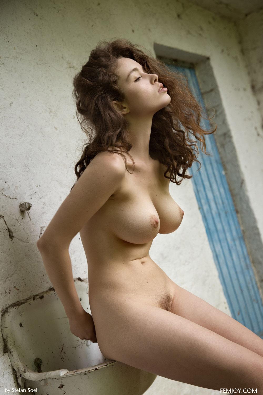 【くびれエロ画像】乳と尻のサイズも重要w理想以上のボンキュッボン!な西洋ボディwww 28