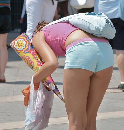 【ホットパンツエロ画像】ブルマがなくてもコレがある!ハミ尻上等のホットパンツ女子www 07