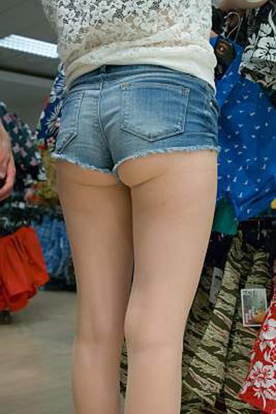 【ホットパンツエロ画像】ブルマがなくてもコレがある!ハミ尻上等のホットパンツ女子www 20