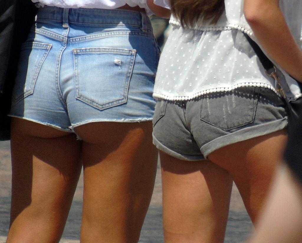 【ホットパンツエロ画像】ブルマがなくてもコレがある!ハミ尻上等のホットパンツ女子www 25