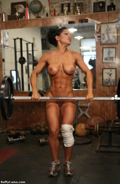 【筋肉美女エロ画像】許せるのはどこまで?マッチョ美女のヌード見比べwww 18