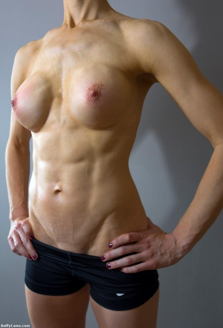 【筋肉美女エロ画像】許せるのはどこまで?マッチョ美女のヌード見比べwww 19
