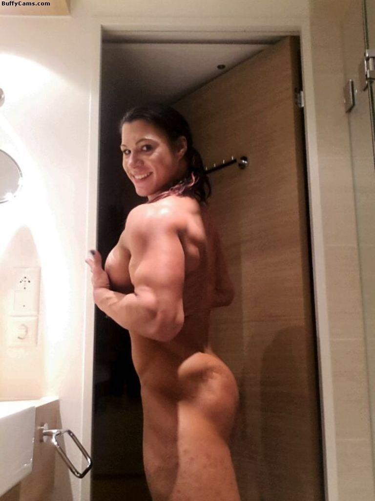 【筋肉美女エロ画像】許せるのはどこまで?マッチョ美女のヌード見比べwww 25