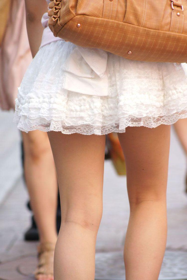 【美脚エロ画像】体の約半分をタダ見せしてくれると思うと萌える街角美脚www 04