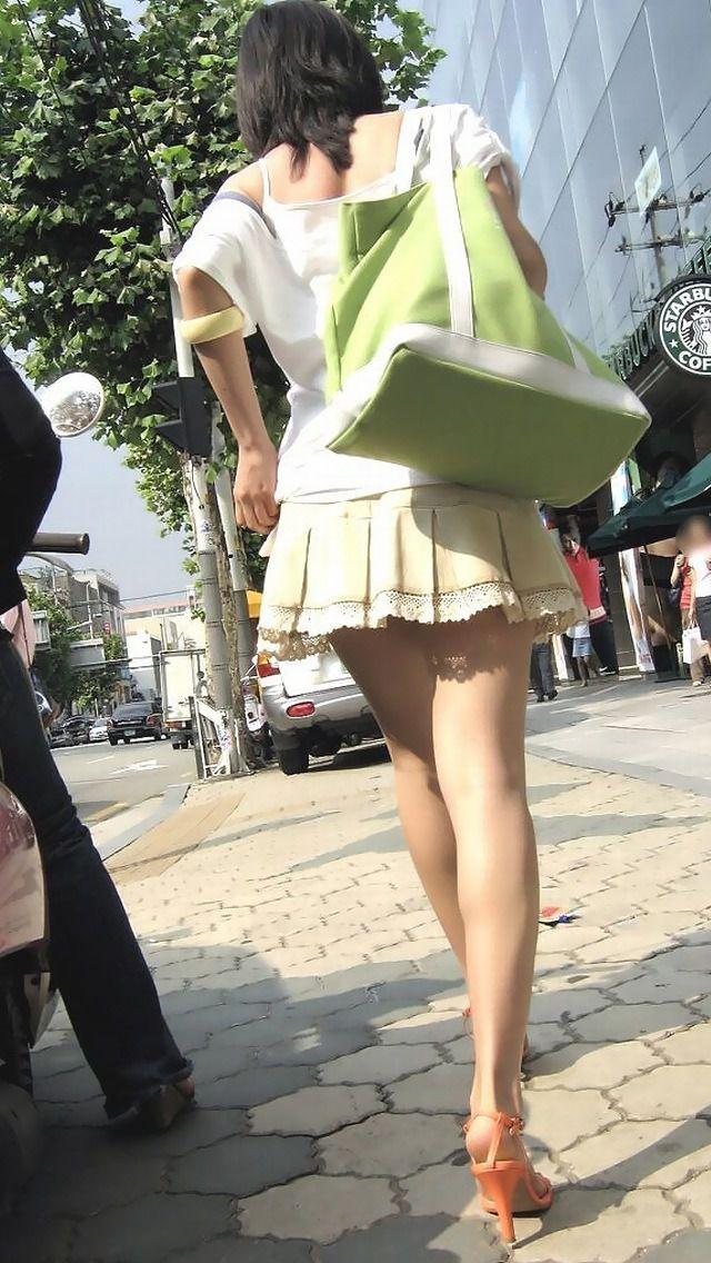 【美脚エロ画像】体の約半分をタダ見せしてくれると思うと萌える街角美脚www 29