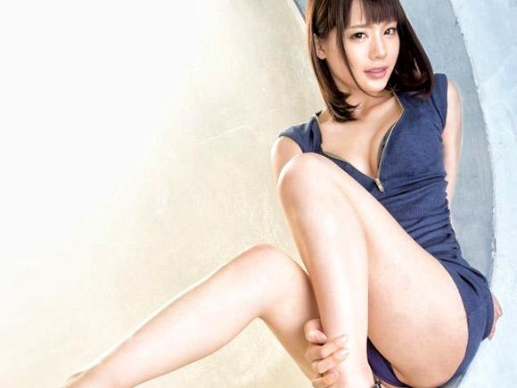 接写で見せる鈴村あいりのDカップ美乳と濃厚セックス